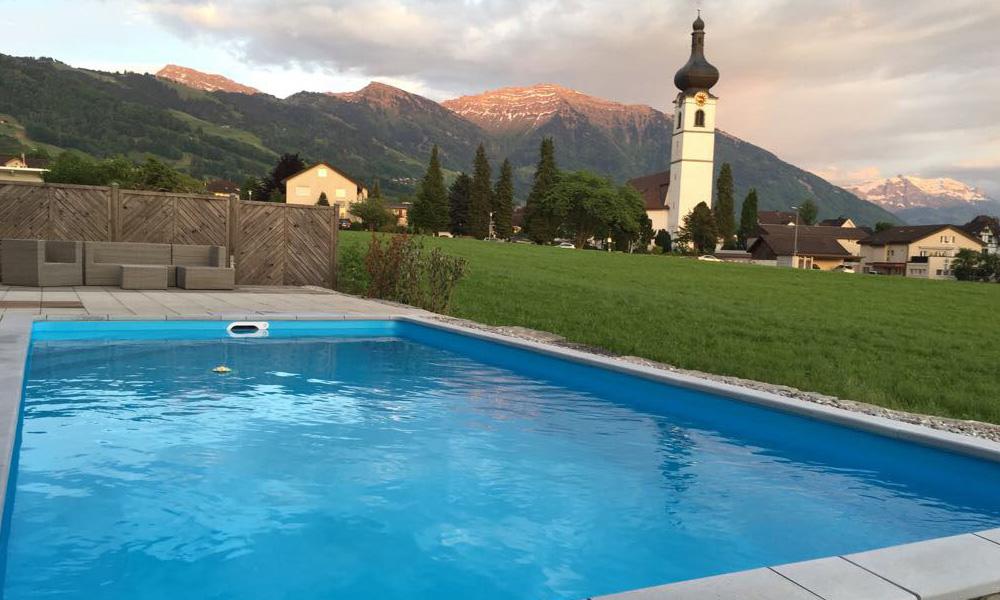 Pool im Garten Zürich