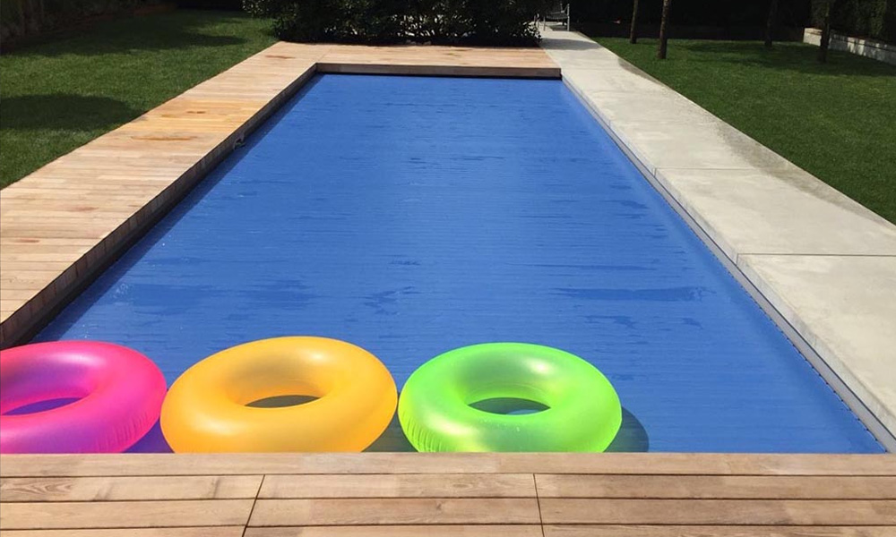 Pool Linz mit Abdeckung