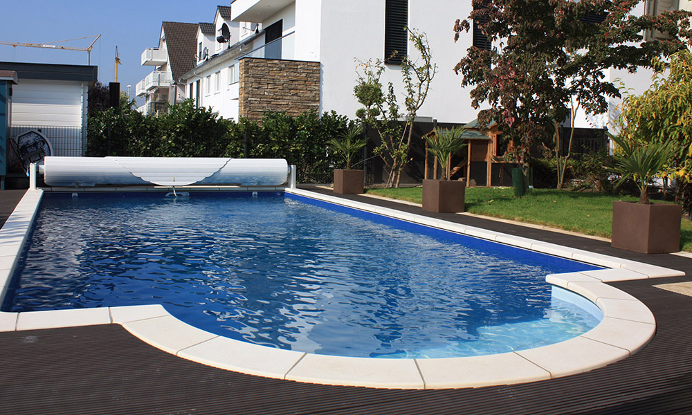 Poolbau filiale frankfurt fulda desjoyaux pools for Gartenpool mit abdeckung