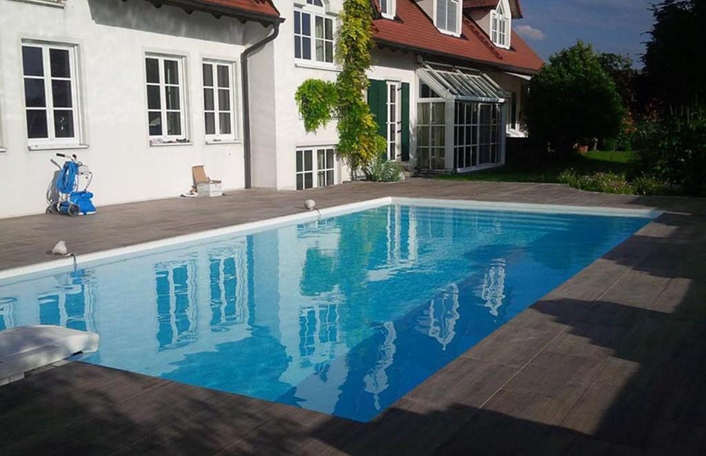 Swimming Pool mit Treppe Braunschweig