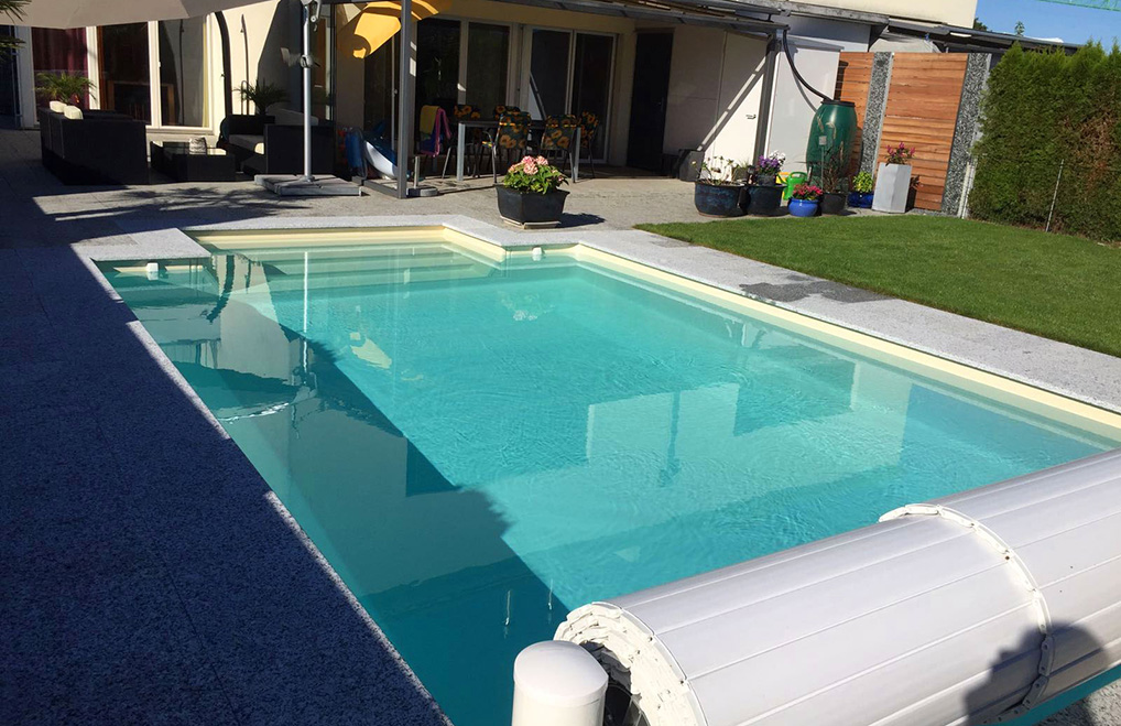 Swimmingpool-Bau Desjoyaux Region Wetzikon / Uster